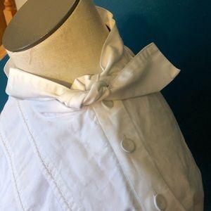 White crisp cotton top.